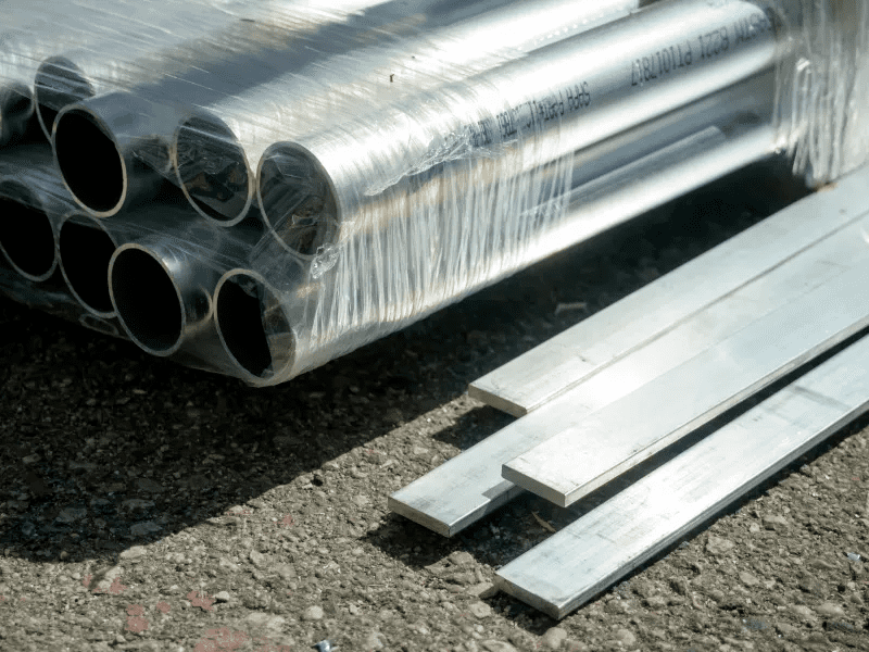 Carbon Steel vs Stainless Steel