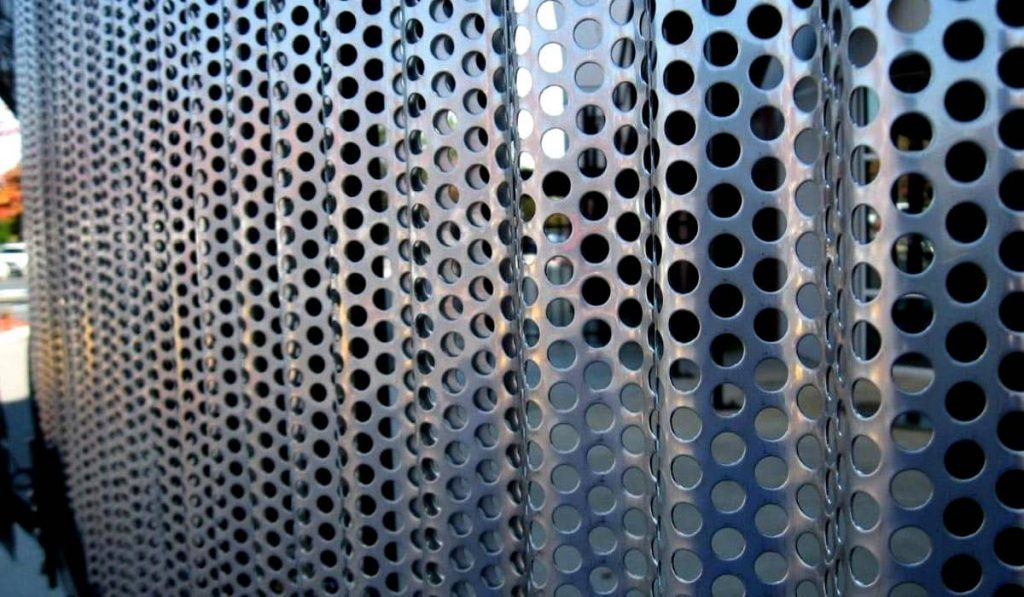 Corrugated Round Hole Perforated Metal